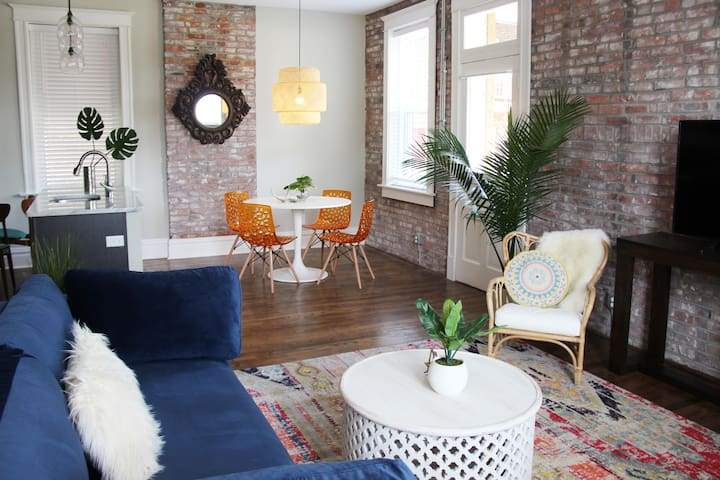 Eclectic Boho Abode - Walk to Tower Grove Park