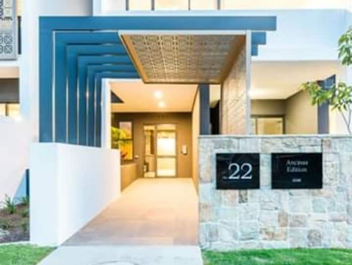 Luxury apartment in cannon hill 17 minutes to CBD