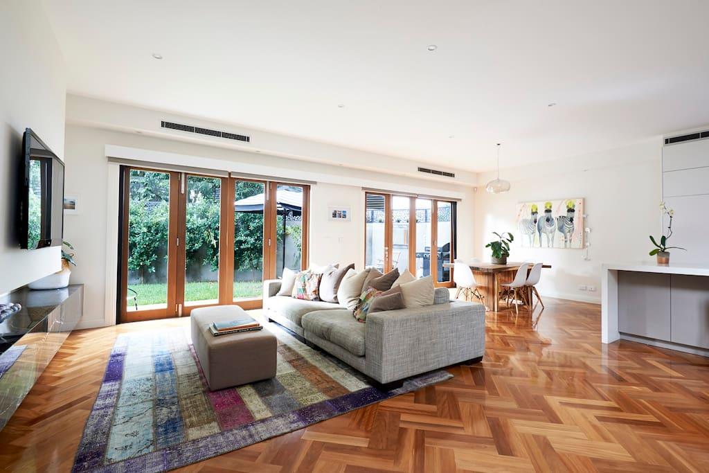 modern day lux reihenh user zur miete in malvern east victoria australien. Black Bedroom Furniture Sets. Home Design Ideas