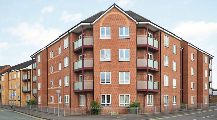 Student Only Property: Fabolous 1 Bed Apartment
