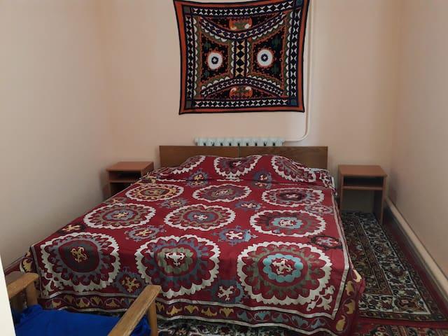 Sharofat ona Guest House