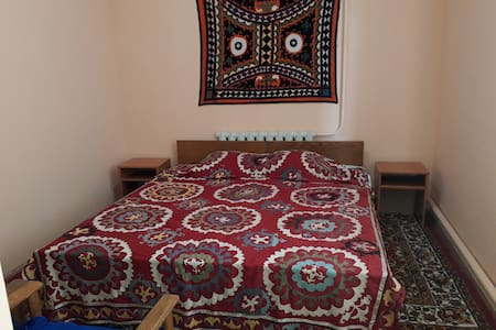Sharofat ona Guest House