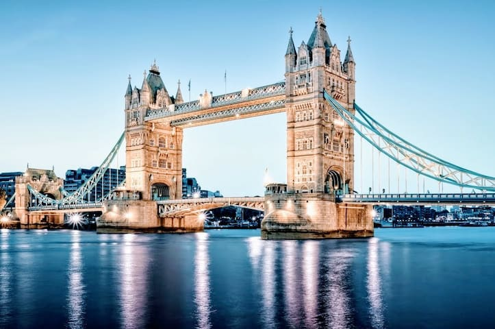 ☆TOWER BRIDGE Amazing flat PERFECT LOCATION!