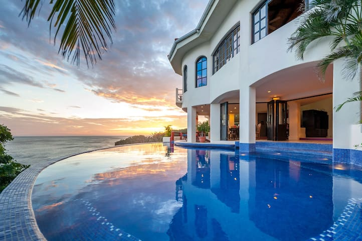 Luxurious Oceanfront Villa - San Juan del Sur - Villa