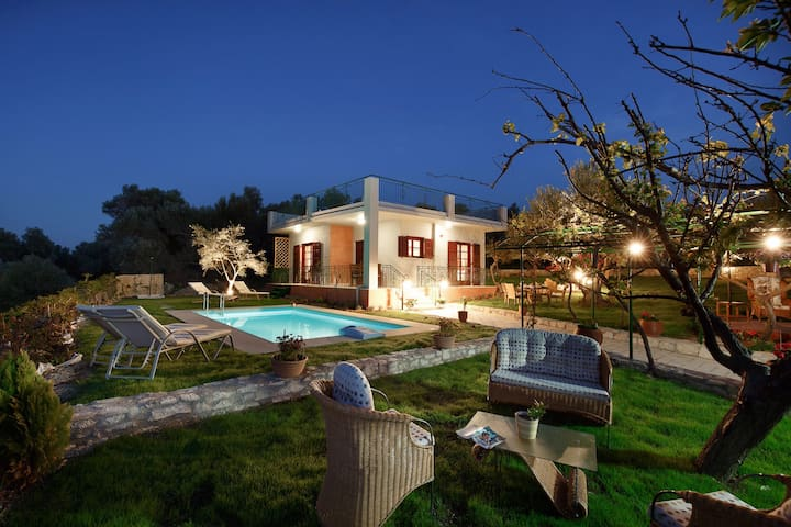 Newly-built villa in olive grove - Rethymno