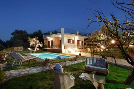 Newly-built villa in olive grove - Rethymno - Vila