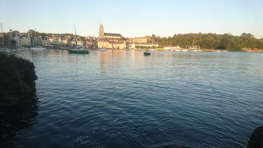 Charmant T2 St-Malo, tout à pied avec son parking
