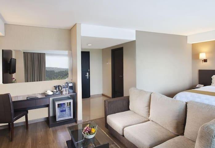 Kamar Super Deluxe di hotel bintang 5 Jakarta - Jatinegara - Condominium