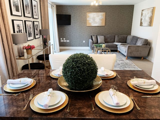 Damson Manor - Luxury 5 Bed - NEC / Airport