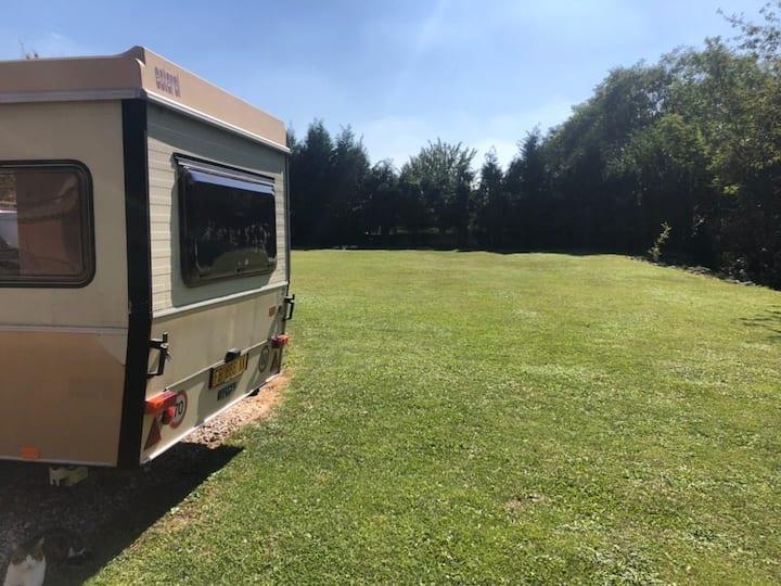 Mini Caravan in giardino privato.