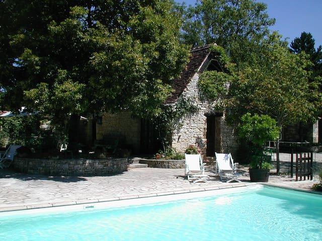 """Maison """"La bergerie"""" / Chateau d'Uzech - Uzech - Nature lodge"""
