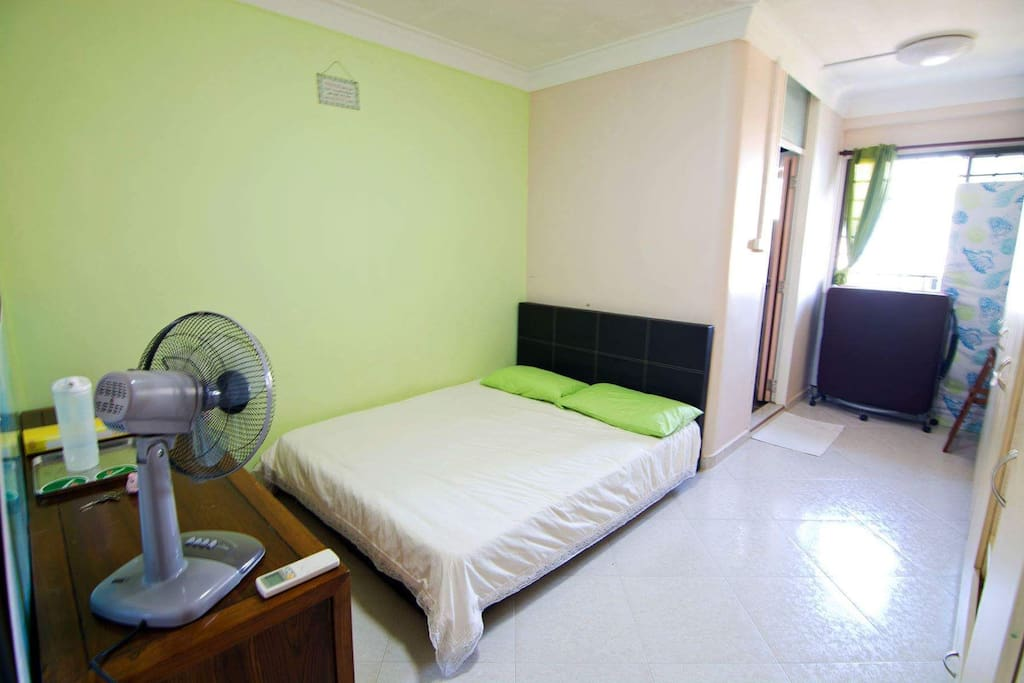 master bedroom with aircon wifi  AND toilet  spare bed include