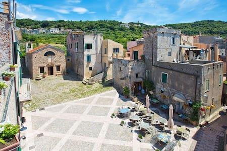 Splendida casa in borgo storico - Flat