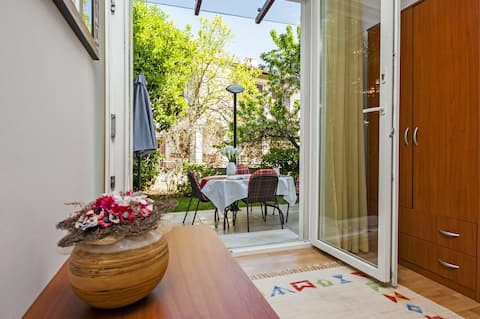 빌라 아우라 - 현대 아파트 1 침실 + 정원