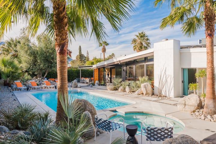 psTiki: Mid-Century Lux Home, 6 BD/5 BA, Pool/Spa
