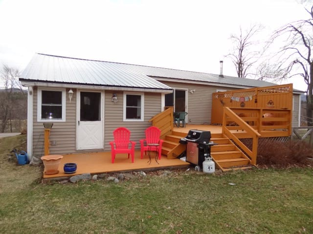 Country home close to ski resorts and Burlington - Huntington - Talo