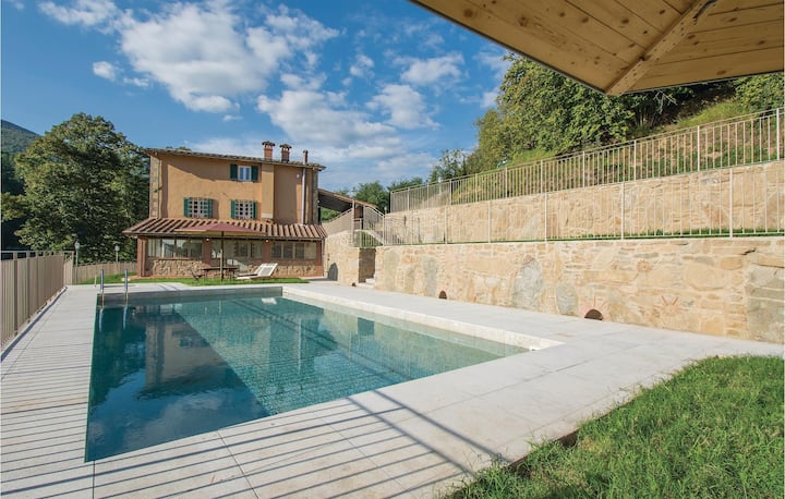 Awesome home in Pescia with Outdoor swimming pool, 5 Bedrooms and Outdoor swimming pool