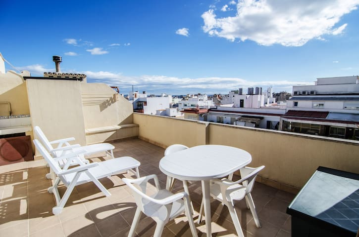 Penthouse with large terrace in Palma de Mallorca - Palma - Byt