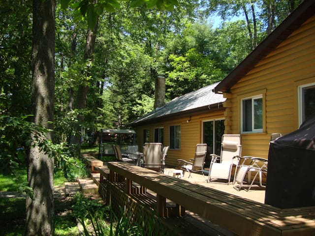 Deer Cross Lodge - Deep Creek Lakefront
