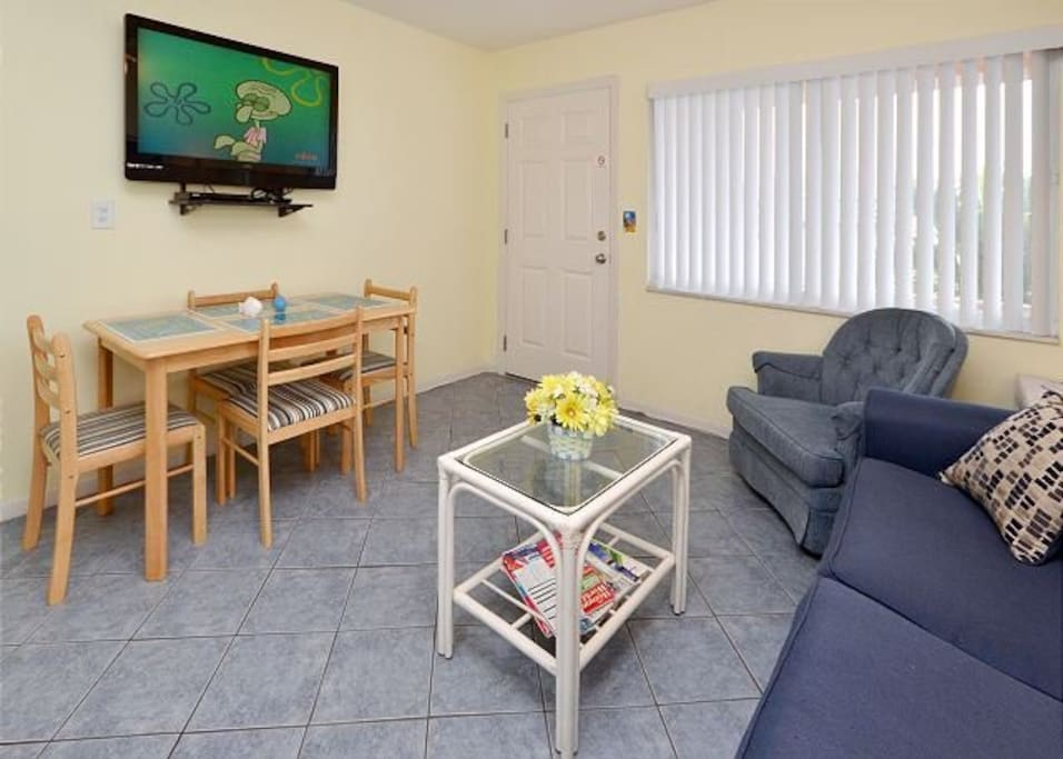 Living and eating area