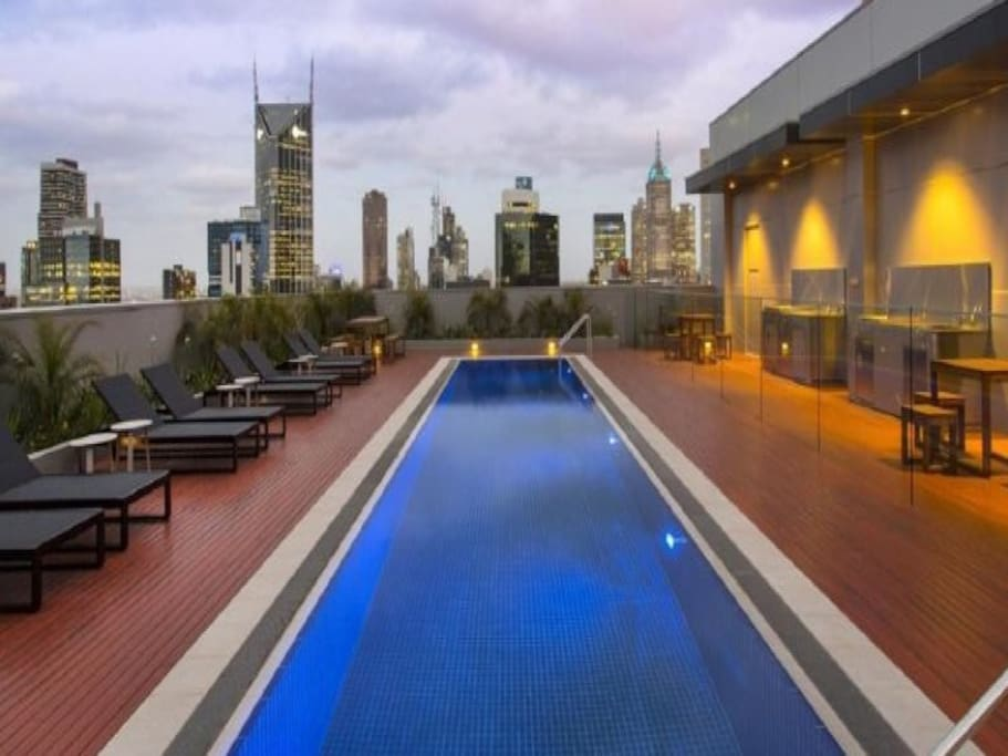 Cosy Cbd Rooftop Pool 2br Apt Apartments For Rent In