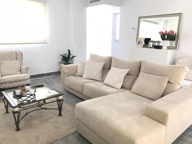 Habitación Doble en bonita y moderna casa