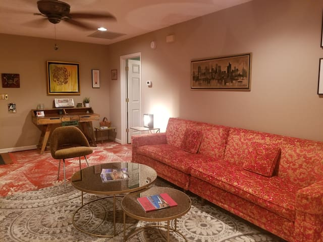 Unique Wilmington Hacienda - $6 Uber to Downtown