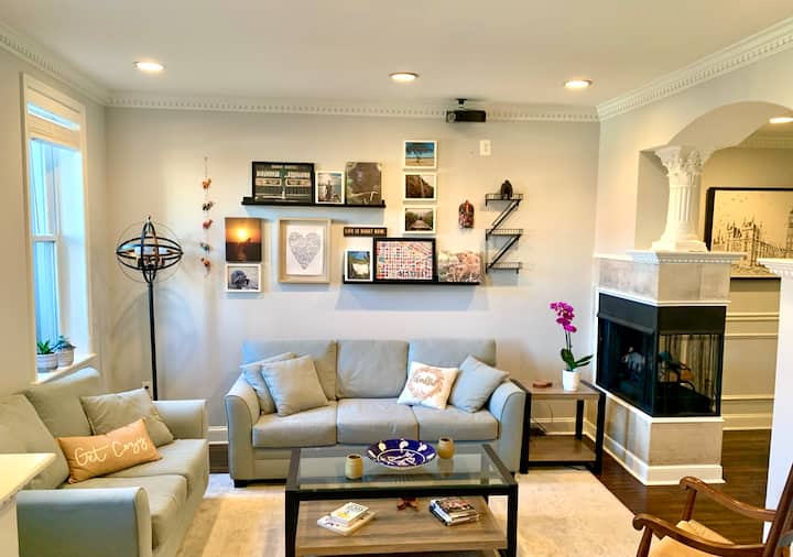 Charming Capitol Hill Rowhome - HUGE outdoor space