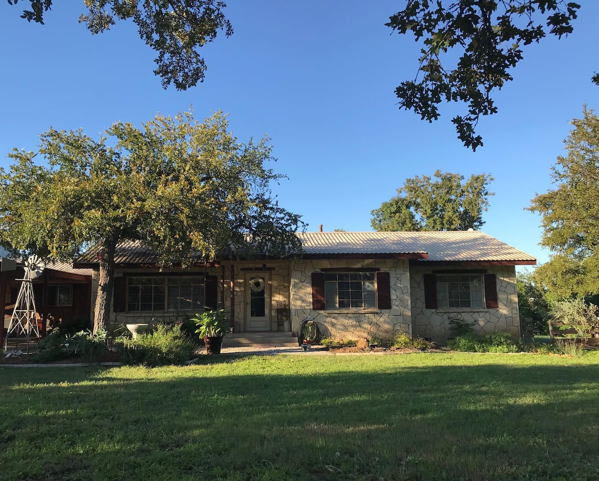 Spacious hill country home in Comfort, TX. Built in 1948, this home is ready for your next adventure and is conveniently located less than half a mile from Comfort's popular High Street and 22 miles from Fredericksburg and 20 miles from Kerrville and 30 miles from San Antonio.