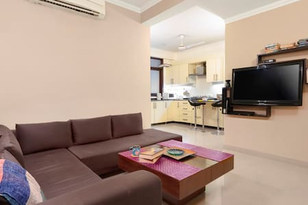 Homely 1 BHK for 3, near Qutub Minar/74438 C3