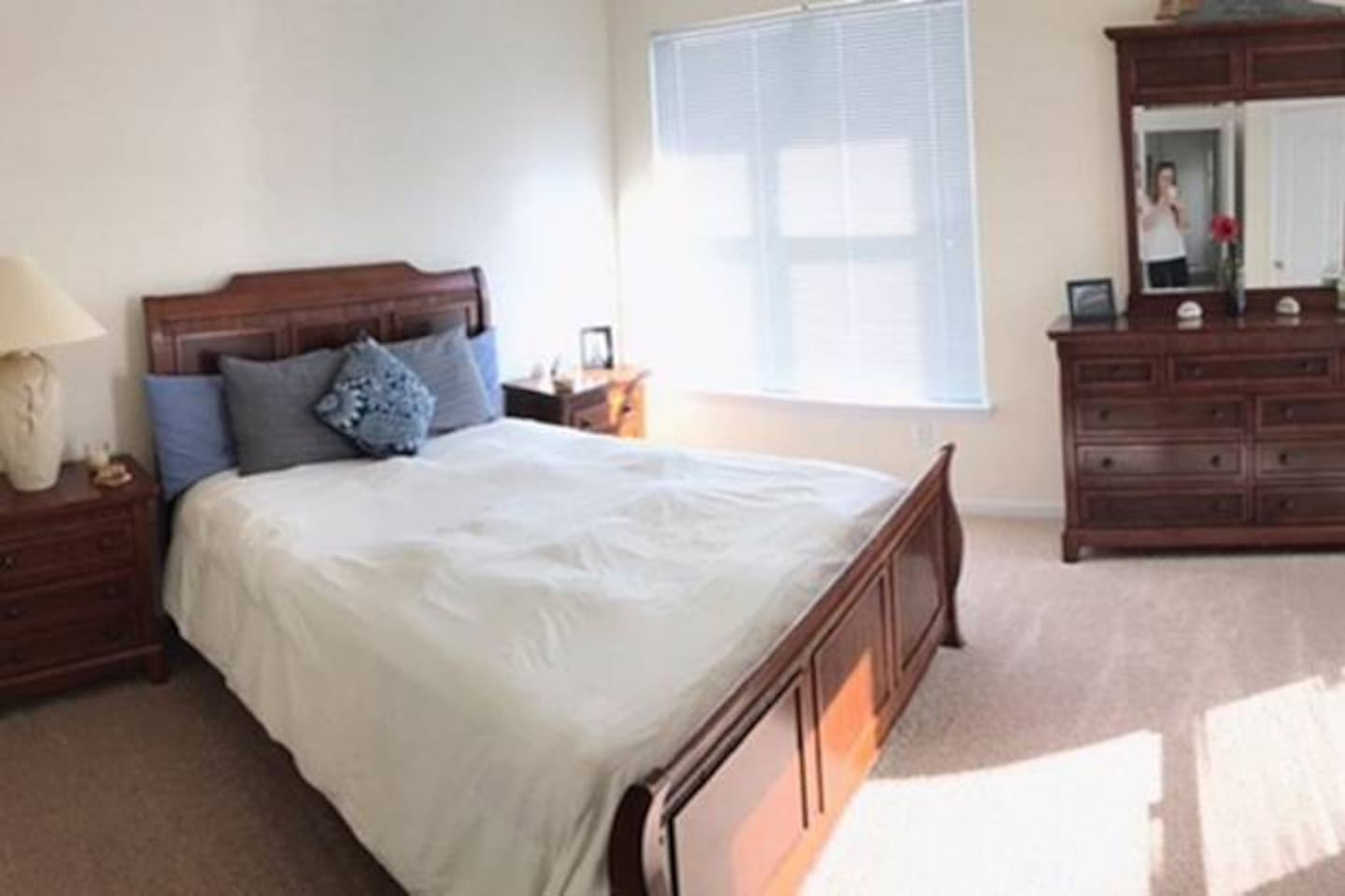 Large room, Queen size bed