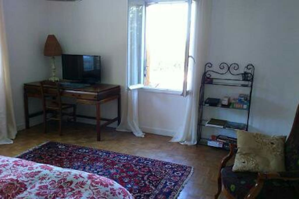 bel appartement lumineux proche de vichy appartements louer le vernet auvergne rh ne. Black Bedroom Furniture Sets. Home Design Ideas