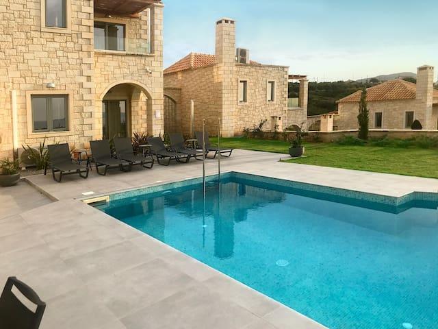 Villa Basilic, 3 BD, 3 BA, private pool