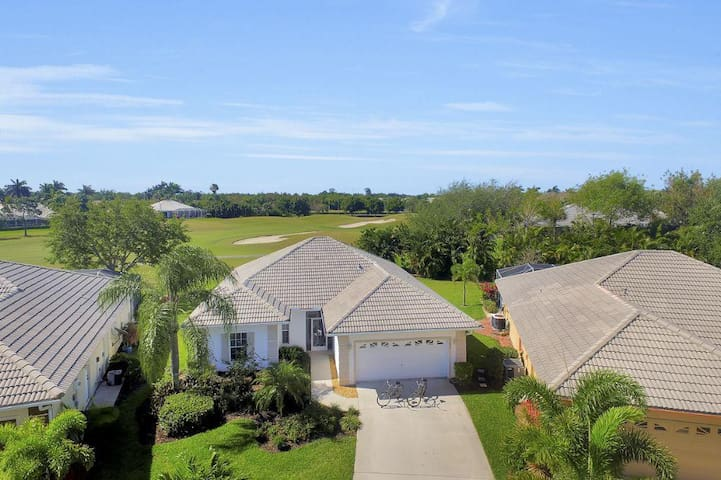 Gorgeous 3 bedroom home in golfing community 7044 - Lely Resort