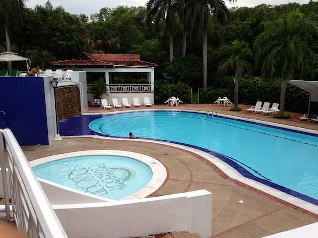DUPLEX CONDOMINIUM GIRARDOT RESORT - Girardot - Apartment