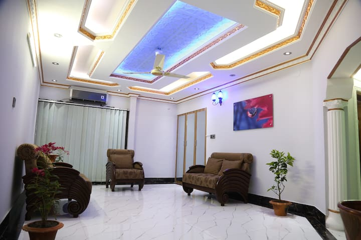 Luxurious Apt, Diplomatic ZoneGULSHAN, near5*Hotel