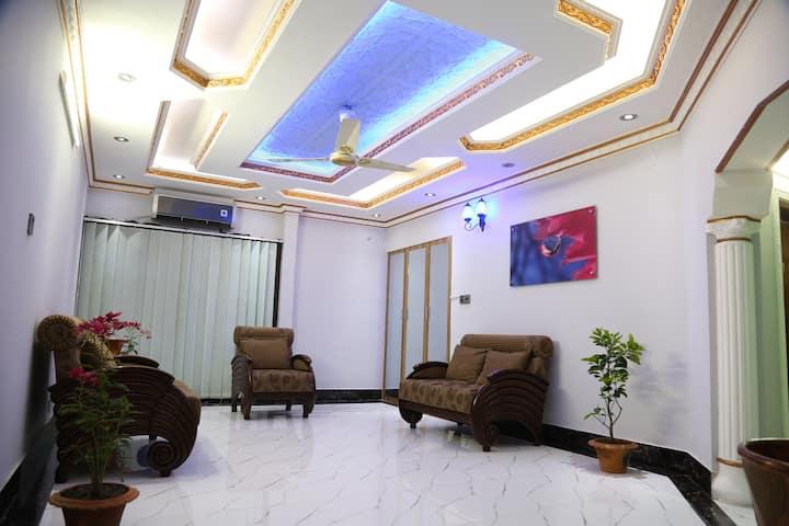 Luxurious Apt, Diplomatic ZoneGULSHAN, near5*Hotel