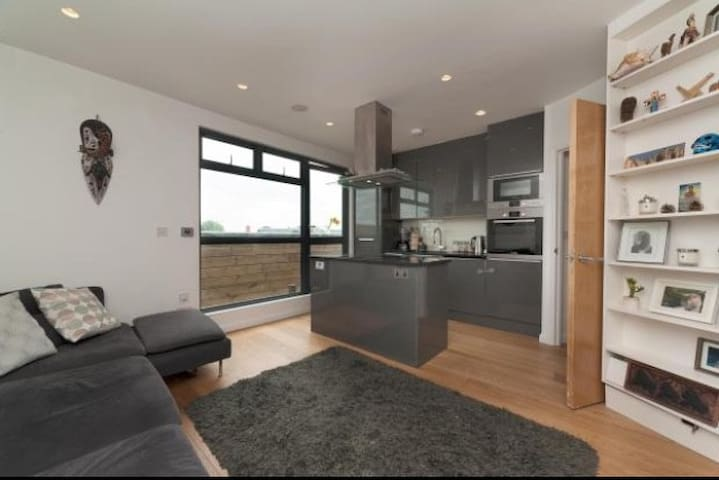 2BED 2BATH FLAT IN HEART FABULOUS DALSTON HACKNEY