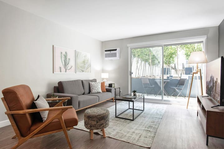 Charming 1BR in Westwood Village w/ Gym, Pool next to UCLA by Blueground
