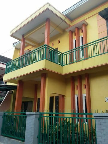 "Boarding House ""Wisma Vina 2""-New House -For Woman"