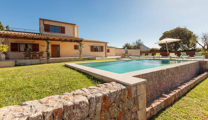 Modern and nice villa between Pollença and Alcudia