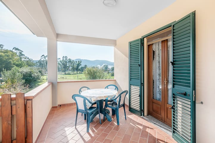 Holiday Apartment in Central Location and Close to the Beach with Wi-Fi, Air Conditioning and Balcony