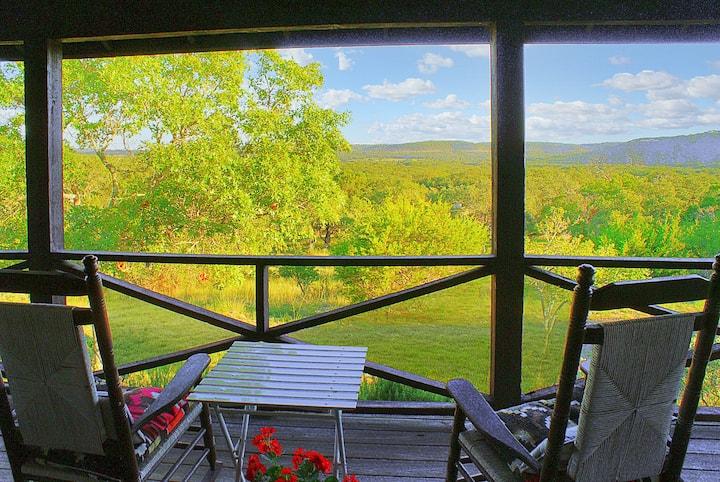 Deja View Cabin