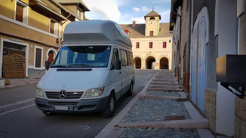 Mercedes  Wohnmobil, Camper in der Nähe von Zürich - Mönchaltorf - Camper