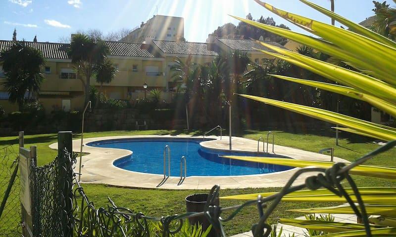 Magnifico adosado 800m de playa - Estepona - House
