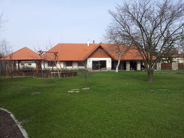 Spacious, new family house, 3 bedrooms, Poroszló - Poroszló - Huis