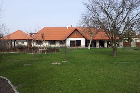 Spacious, new family house, 3 bedrooms, Poroszló - Poroszló - 独立屋