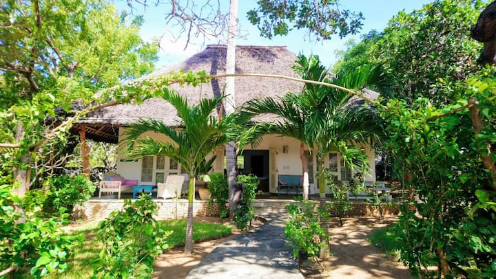 Cashew Nut Cottage, Mida Creek