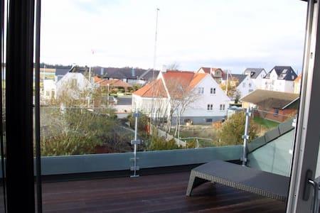 Panoramaleilighet i sentrum - Hals - Hals