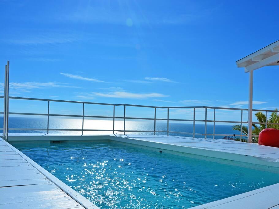 Sitges Villa Altavista: Stunning views, 2 minutes from the beach, bright and sunny.